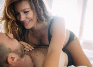 Hodenmassage: Mit diesen Techniken bringst du ihn um den Verstand
