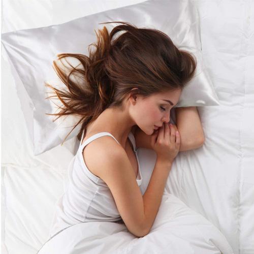 Bedsure Satin Kissenbezug gegen verfilzte Haare