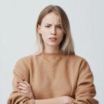 Glabella: Das kannst du gegen eine Zornesfalte tun