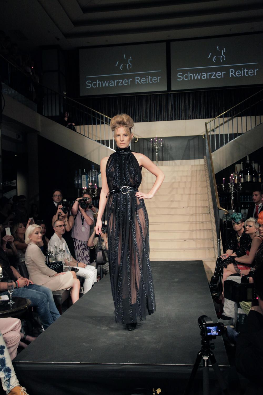 Show Schwarzer Reiter
