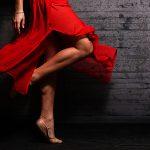 die-sprache-der-mode-rotes-kleid