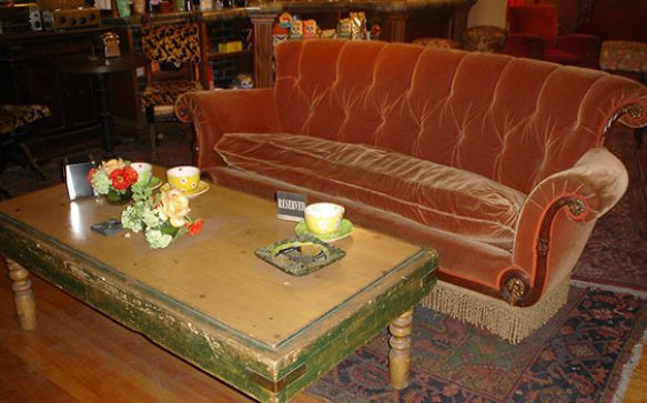 "Original ""Friends"" Couch in Berliner Starbucks Coffee House"