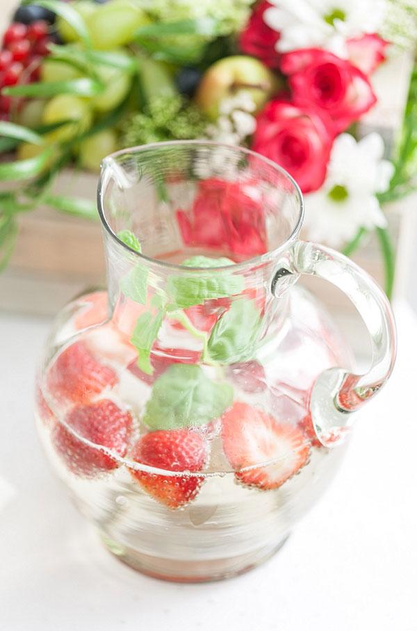 Gartenhochzeit Erdbeeren & Minze