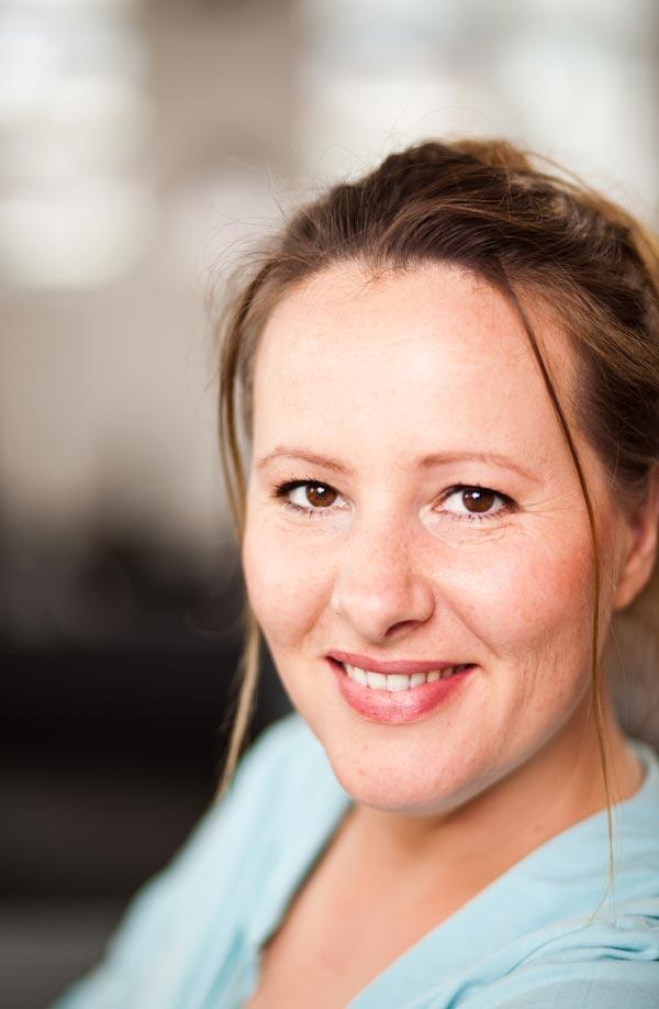 Nina Vorbrodt für Ajoure