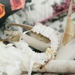 Keine Hochzeit ohne die passenden Brautschuhe und Accessoires
