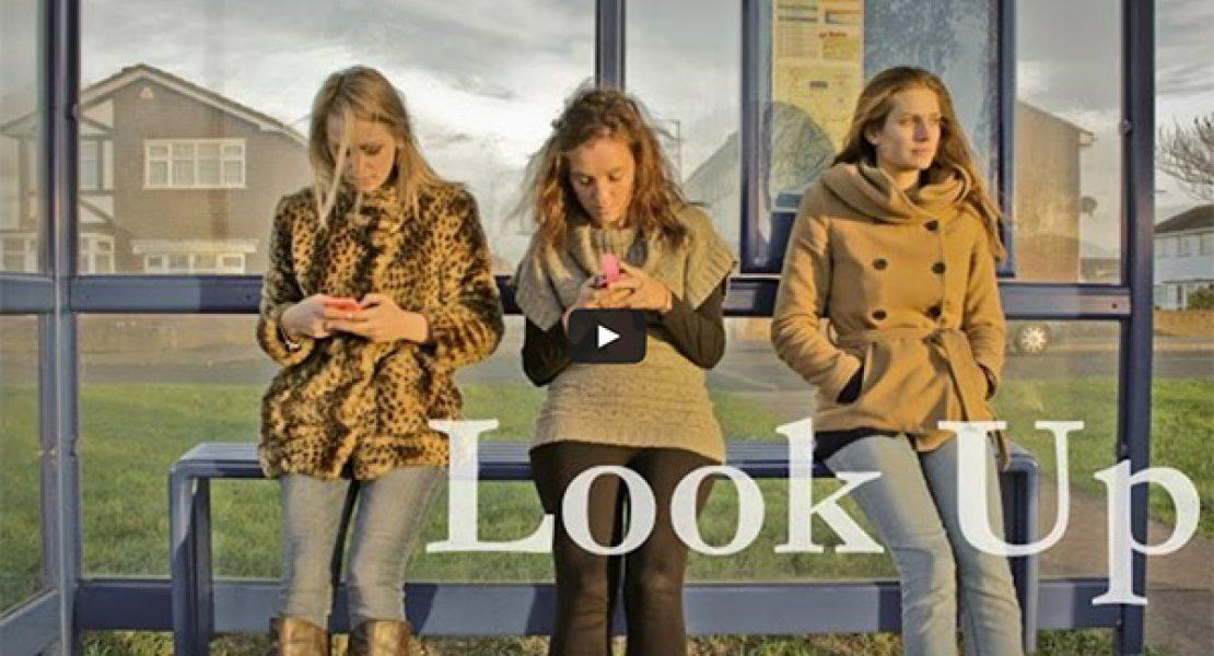 """""""Look Up"""" – und zwar hierhin: Auf Facebook"""
